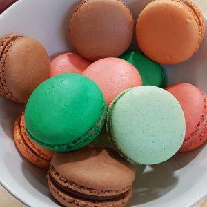 Heeeerlijke Macarons van onze leuke overbuurman gekregen  frankverreij lepetitmacaronhellip